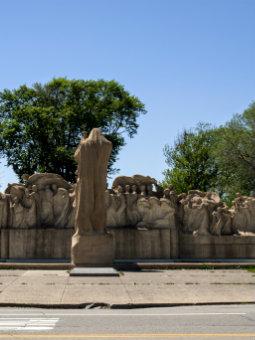 Image of Lorado Taft's Fountain of Time sculpture in Washington Park