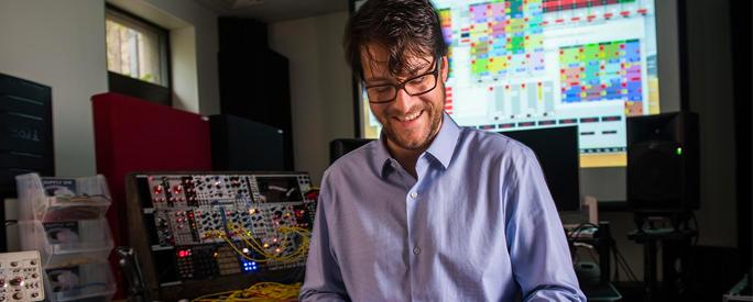 Electronic musician's offbeat approach melds sound with computer science