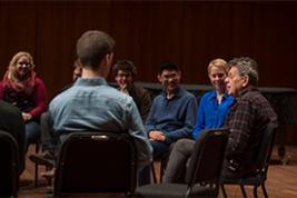 Philip Glass talks with composition students (Photo: Robert Lozloff)